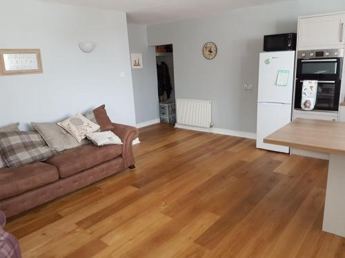 kitchen-flooring-room