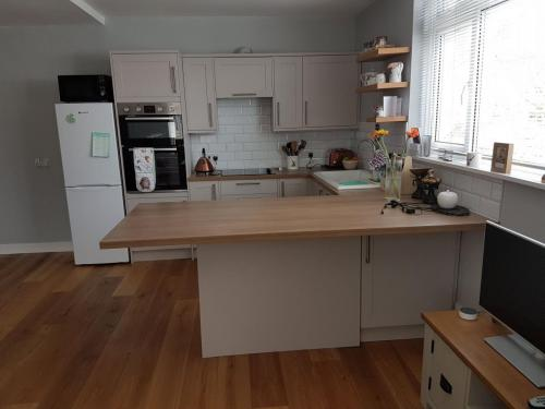 kitchen-and-flooring