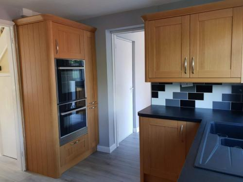 unique-fitted-cupboards