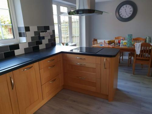 unique-fitted-kitchen