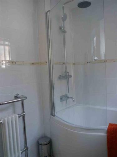 bathroom-refit-radiator