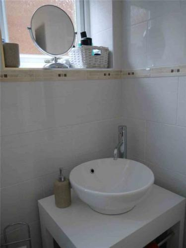 bathroom-refit-sink