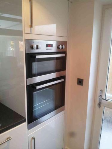 kitchen-refit-oven