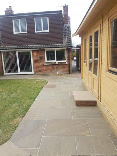 landscaping-paving