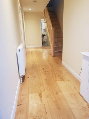 oak-floor-staircase